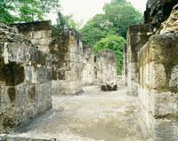 セイバル遺跡 南広場の神殿