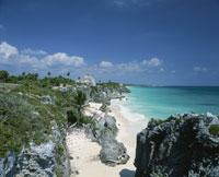 トゥルム遺跡とカリブ海