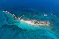 上空よりナッソー(バハマ)のリゾートエリアの風景 25295002323| 写真素材・ストックフォト・画像・イラスト素材|アマナイメージズ