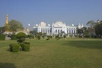 ヤンゴンのマハバンドゥーラ公園 25315018329| 写真素材・ストックフォト・画像・イラスト素材|アマナイメージズ