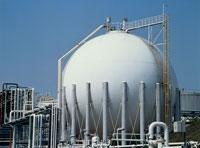 石油化学工場のタンク