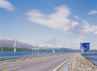 橋 Helgelandsbrua