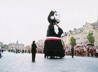 猫祭り 猫の王様の巨大人形