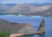 バルトロメ島とサンチャゴ島 25356000400| 写真素材・ストックフォト・画像・イラスト素材|アマナイメージズ