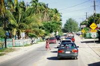 混雑する道路 25356001249| 写真素材・ストックフォト・画像・イラスト素材|アマナイメージズ