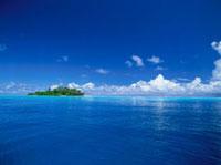 青空と青い海 25356001672| 写真素材・ストックフォト・画像・イラスト素材|アマナイメージズ