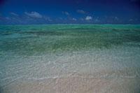 ビッキーローズビーチ 11月 ミクロネシア 25356001722| 写真素材・ストックフォト・画像・イラスト素材|アマナイメージズ