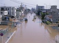 水害で水浸しの町 25378004423| 写真素材・ストックフォト・画像・イラスト素材|アマナイメージズ