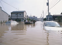 水害で水浸しの町 25378004433| 写真素材・ストックフォト・画像・イラスト素材|アマナイメージズ