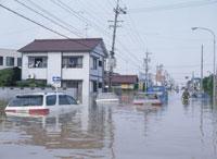 水害で水浸しの町 25378004440| 写真素材・ストックフォト・画像・イラスト素材|アマナイメージズ