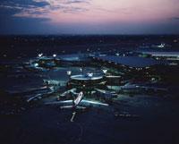 夕景の新東京国際空港