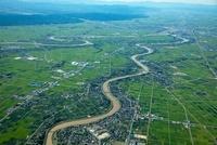 越後平野、中ノ口川と信濃川(月潟より燕三条方面)