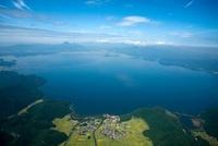 猪苗代湖全景より磐梯山