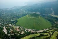 新緑の大室山と伊豆シャボテン公園