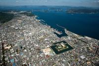 今治市街地より今治港周辺より来島海峡第二大橋と瀬戸内海 空撮