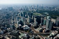 日本橋より大手町 東京駅 丸の内周辺 25397010814  写真素材・ストックフォト・画像・イラスト素材 アマナイメージズ