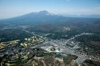 軽井沢駅と中軽井沢より浅間山方面