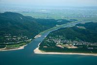 大河津分水路河口と越後平野