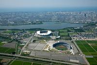 HARDOFFECO スタジアム新潟、デンカビッグ スワンスタジアム周辺より鳥屋野潟と新潟市街地