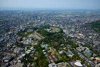 兼六園と金沢城址周辺より金沢駅方面