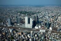 名古屋駅周辺より名古屋城と名古屋市街地