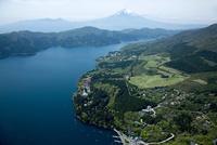 芦ノ湖と箱根神社,箱根園周辺より富士山