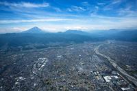 甲府盆地(昭和町,釜無川,国母工業団地)周辺より富士山