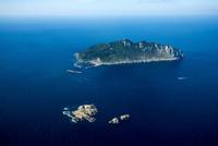 小屋島と沖ノ島と玄界灘 25397014261| 写真素材・ストックフォト・画像・イラスト素材|アマナイメージズ