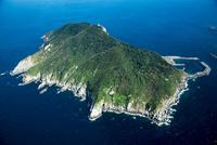 沖ノ島と玄界灘 25397014263| 写真素材・ストックフォト・画像・イラスト素材|アマナイメージズ