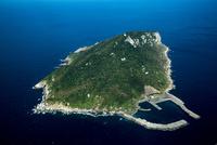 沖ノ島と玄界灘 25397014264| 写真素材・ストックフォト・画像・イラスト素材|アマナイメージズ