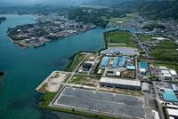 大潟町の工場群より橘港と阿南発電所