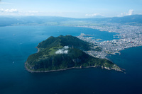 函館山(陸繋島)より函館湾,津軽海峡と函館市街地