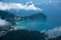 山田湾と根滝山