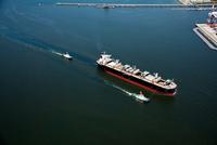 貨物船(木材チップ運搬船)秋田入港時