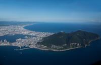 函館山(陸繋島)より函館港,津軽海峡と函館市街地