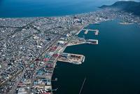 函館港(万代埠頭,中央埠頭)と函館市街地周辺