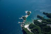 浄土ヶ浜と浄土ヶ浜海水浴場(宮古湾)