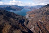 紅葉の華厳渓谷と華厳の滝より中禅寺湖