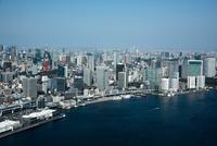 東京港より東京の街並み