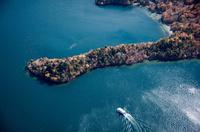 紅葉の八丁出島と中禅寺湖