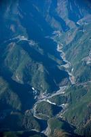 安倍川の蛇行風景(梅ケ島より上流)