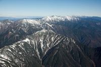 明石山脈(南アルプス)の山並み(上河内岳から聖岳,赤石岳,荒川岳方面)