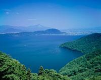 奥琵琶湖より望む伊吹山