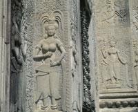 西城門の女神デヴァター像 アンコール遺跡