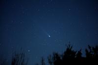 牛飼い座を通るラブジョイ彗星 25588008534| 写真素材・ストックフォト・画像・イラスト素材|アマナイメージズ