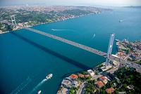 ボスポラス海峡とボスポラス大橋 左上がアジア側とマルマラ海 25588008568| 写真素材・ストックフォト・画像・イラスト素材|アマナイメージズ