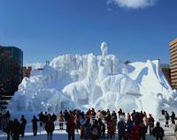 札幌雪祭 大雪像「これが恐竜だ」