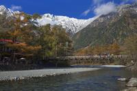新雪の穂高連峰と河童橋
