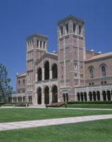 UCLAロイスホール