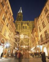 大聖堂とクリスマスイルミネーション
